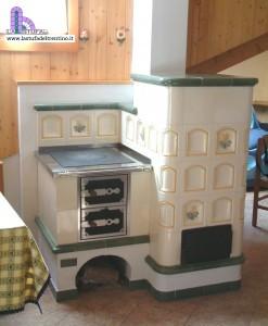 33 cucina ad angolo stufa del trentino for Outlet cucine trento